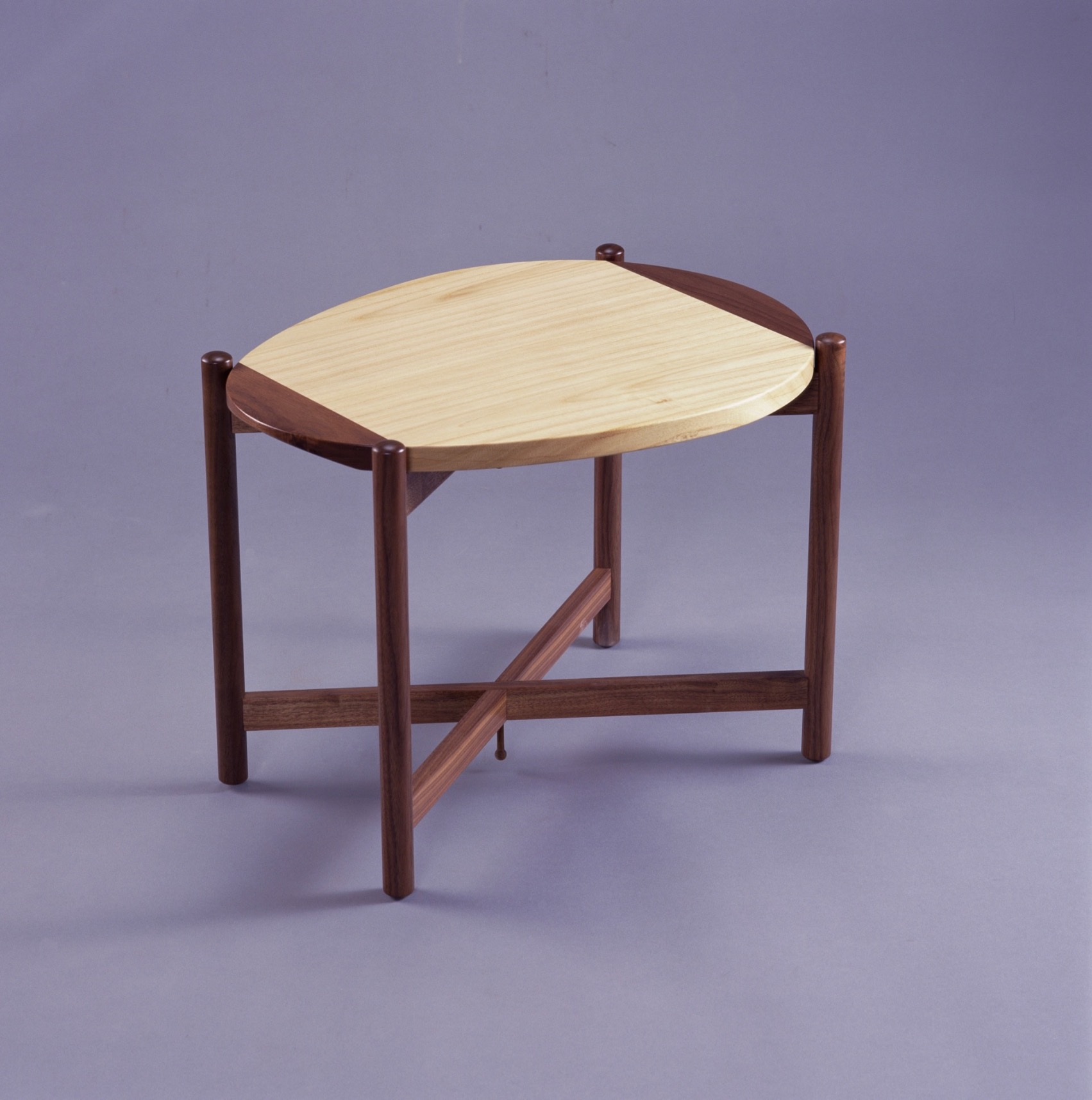 PAU TABLE